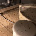 汚水槽からチョウバエが大量発生!!近くに貯水槽がある場合は衛生的に早期の清掃をおススメ!