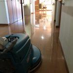 ワックスを塗ると逆にクレームになる?それほど私たちの床清掃は光沢値と耐久性が向上します!