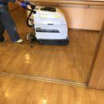 茅ヶ崎や藤沢でデイサービスを展開している本社屋兼サービス事務所の床清掃とガラス清掃