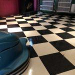 床清掃でワックスがけは50年前の清掃手法!業者をお探しなら最新手法で美観向上しませんか?
