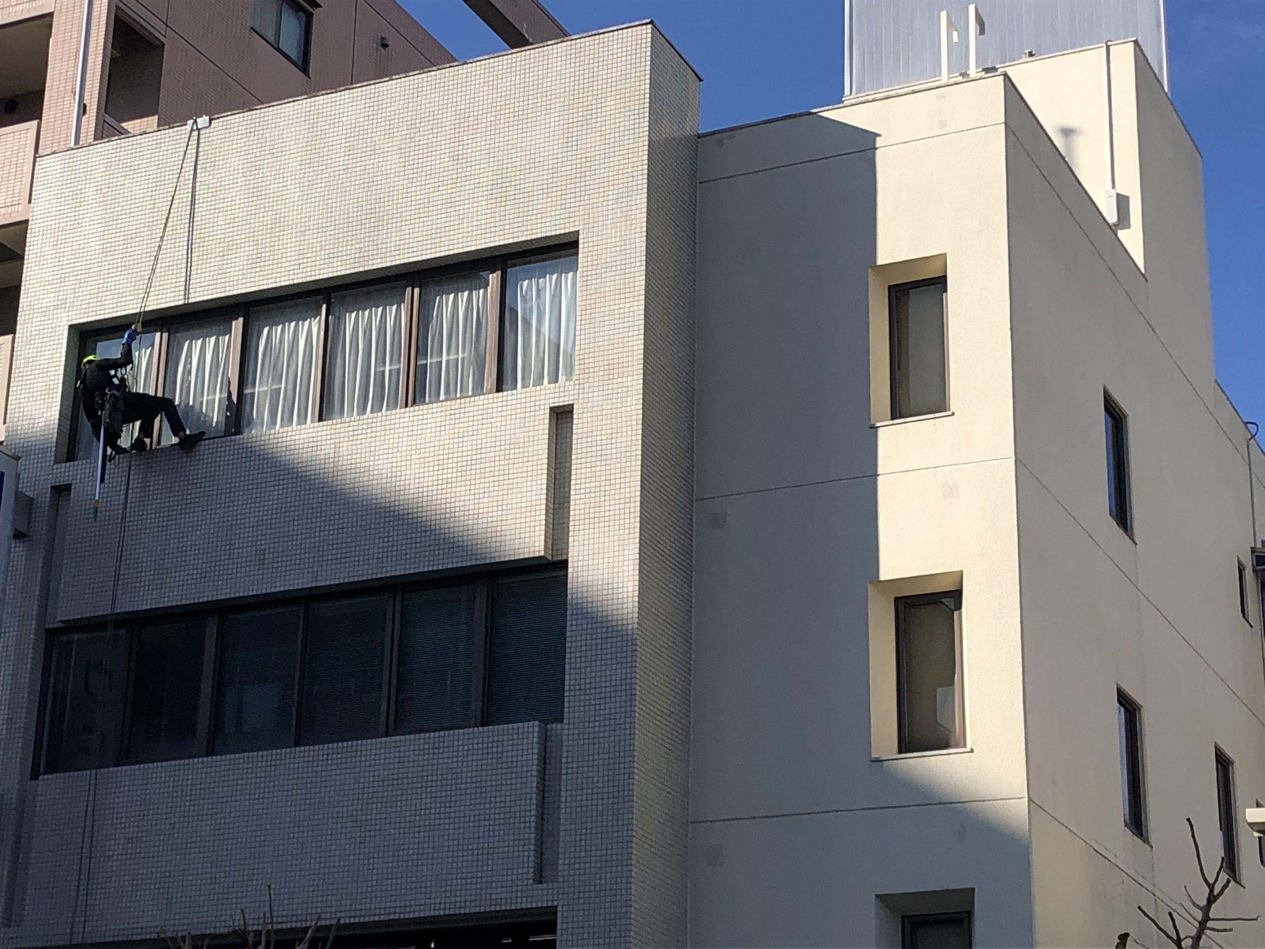 八王子市 オフィスビル 5階建 ガラス定期清掃