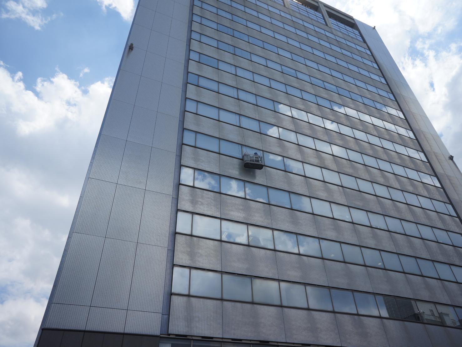 神奈川県 高等学校 15階建 ガラス定期清掃