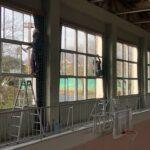 "<span class=""title"">生ぬるい防寒対策は自身の身体に危険を及ぼすと知った、体育館窓ガラス定期清掃日のこと。</span>"
