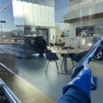 """<span class=""""title"""">店舗オープン前の店舗ショーウィンドウ窓ガラス清掃はもちろん時間外料金は頂きません!</span>"""